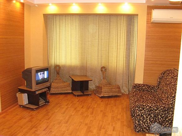 Apartment near Obolon metro station, Studio (19525), 003