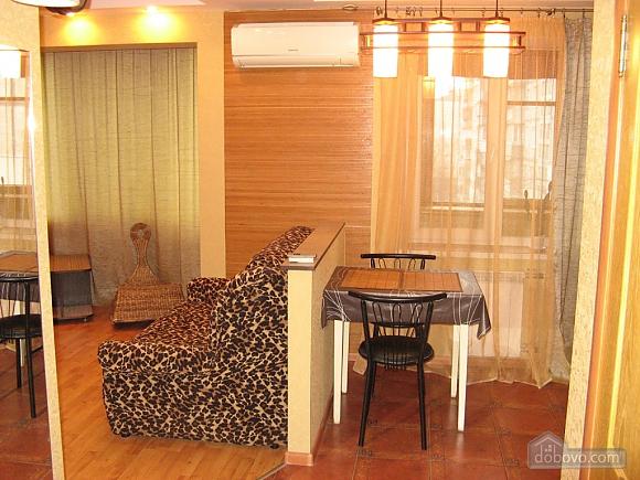 Apartment near Obolon metro station, Studio (19525), 006
