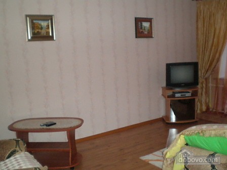 Квартира біля метро Палац Україна, 1-кімнатна (47147), 002